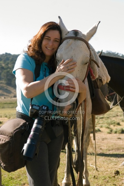 Shawn with her mount on the Patagonia ride with Pioneros